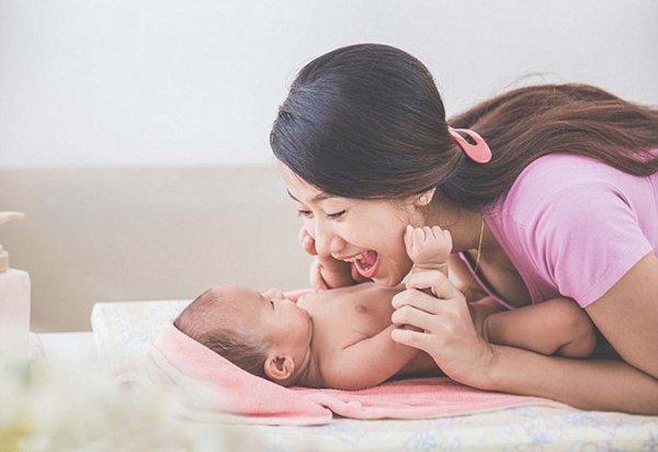 Ученые: Разговоры с младенцем ускоряют процесс обучения ребенка