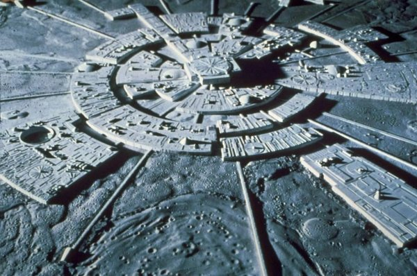 Уфологи назвали места главного контакта НЛО с людьми