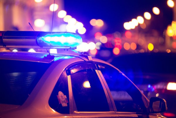Житель Тобольска угнал автомобиль с 1,5 тысячами долларов в салоне