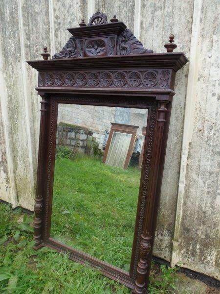 Экстрасенсы рассказали, как правильно выбрасывать старые зеркала