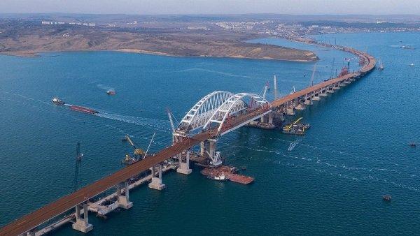 На Крымском мосту вчера был установлен новый рекорд интенсивности движения