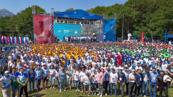 В Пятигорске на гигапиксельную панораму попали сотни людей и Путин