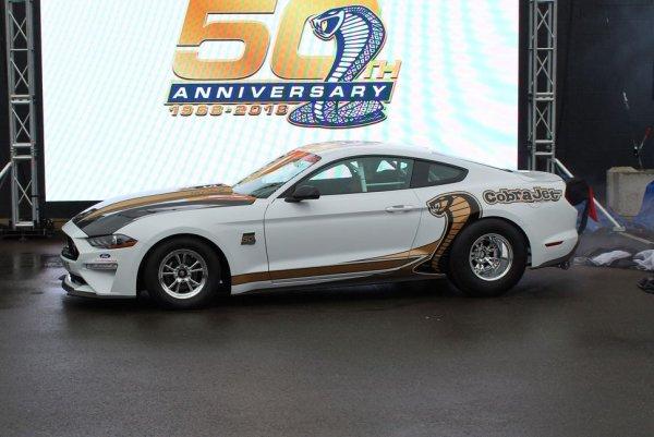 Ford превратил маслкар Ford Mustang в рекордный дрэгстер