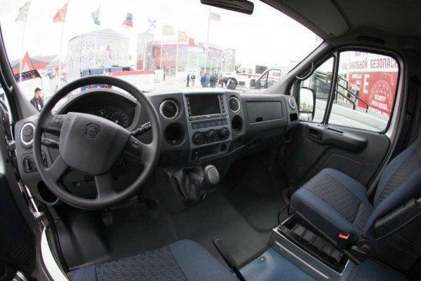 «ГАЗ» представил внедорожный пикап и микроавтобус