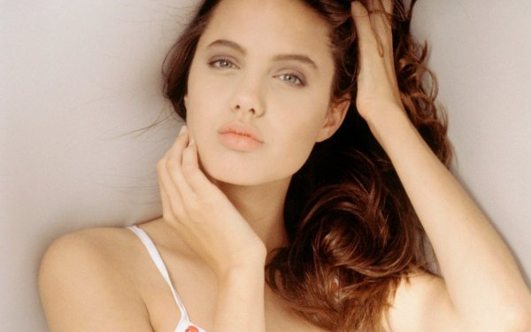 Отвращение на подсознательном уровне: Мужчины признались, почему не любят «сделанную» красоту