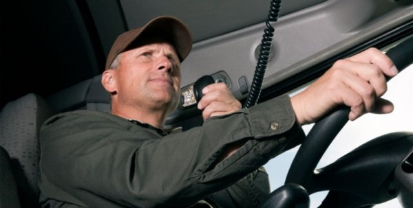 Реклама и маты дальнобойщиков: Как «звучит» по рации трасса М4 «Дон»