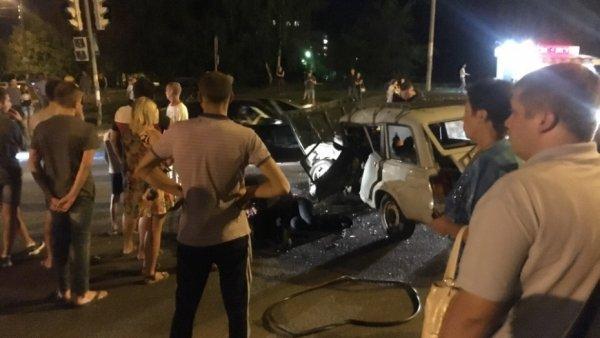 Последствия ночного воронежского ДТП попали в сеть