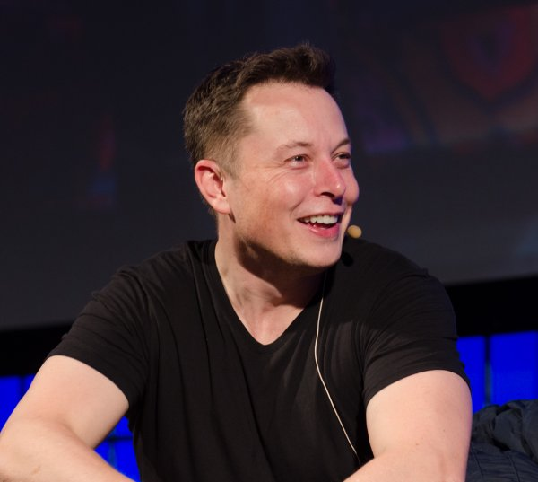 Маск с косяком обвалил акции Tesla