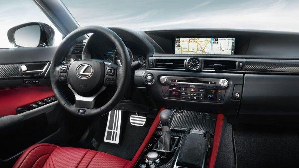 В России остановили продажи седана Lexus GS