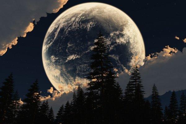 Ночью жители Уфы смогут увидеть сближение Луны и Сатурна