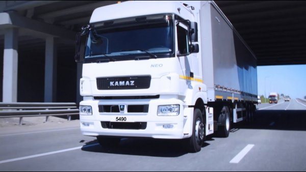8 тягачей КАМАЗ-5490 Neo переданы транспортной компании по договору лизинга