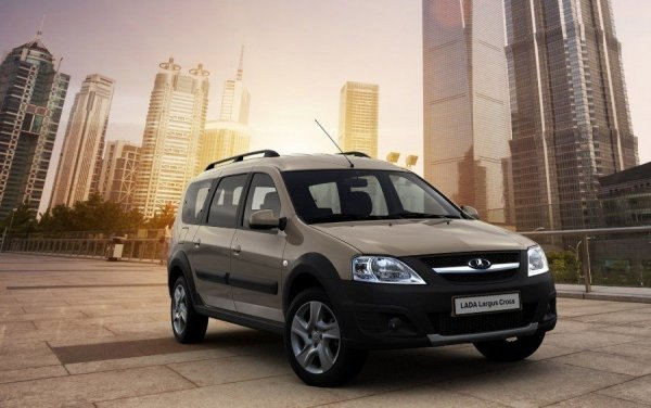 «АвтоВАЗ» с 1 октября поднимает цены на LADA Vesta и Largus на 10 000 рублей