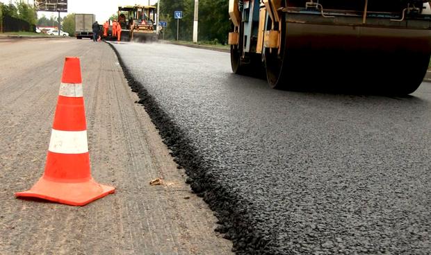 В Тюменском районе продолжают ремонтировать дороги