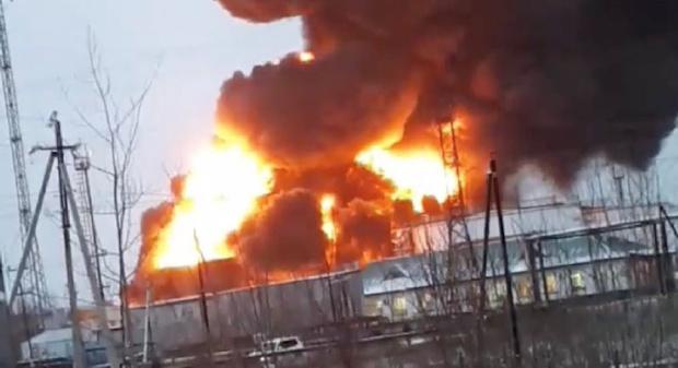 В Югре на нефтебазе локализовали крупный пожар