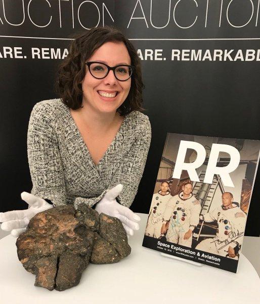 Лунный метеорит продали на аукционе в США за $612 тыс