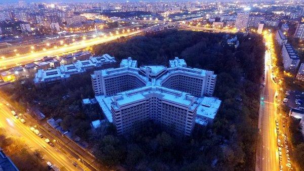 Снос московской недостроенной Ховринской больницы начнется в ноябре