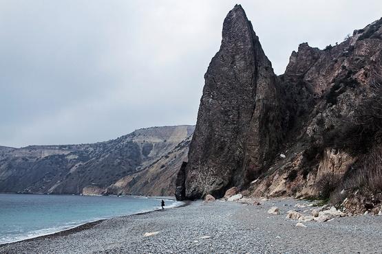 Российские туристы погибли, сорвавшись со скалы