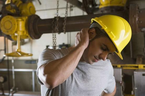 Тюменский завод могут наказать за травму сотрудника