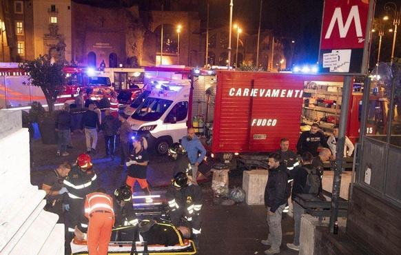 15 россиян получили травмы в результате обрушения эскалатора в Риме