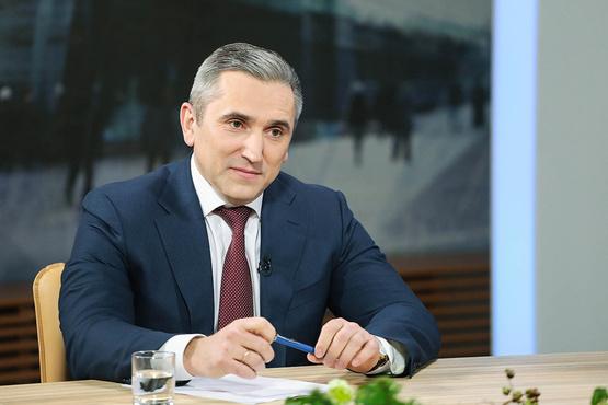 Александр Моор рассказал о проекте очистки озера Алебашево