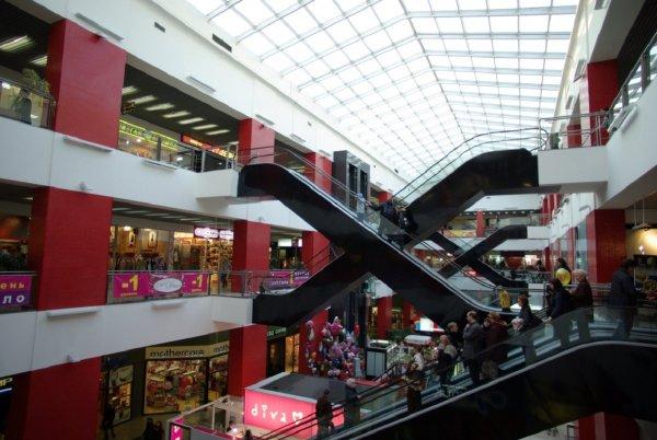 Туристы определили лучшие города для шопинга в России