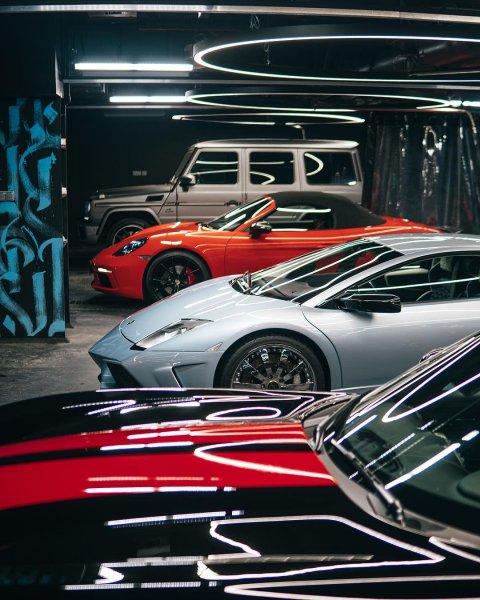 Подземный паркинг Тимати принимает по 250 автомобилистов в сутки