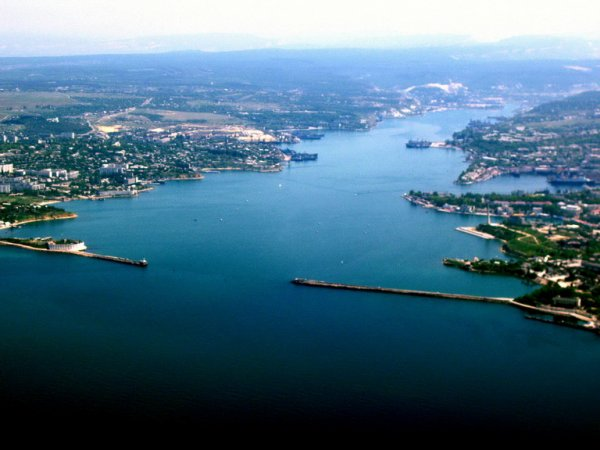 Над Севастопольской бухтой в Крыму построят мост