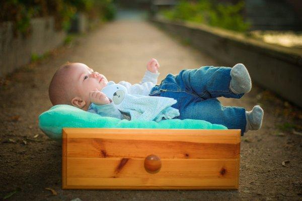 Ученые доказали, что малышам нужно спать только в кроватке