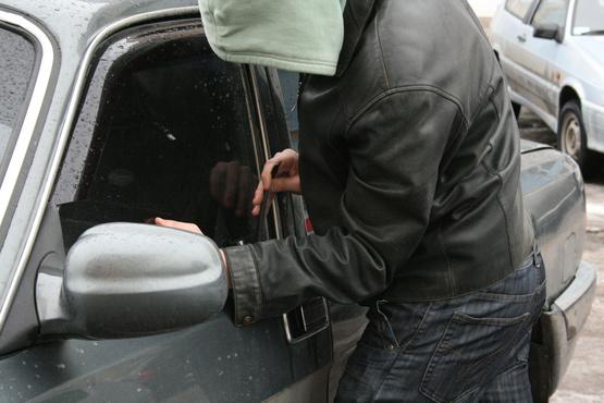 Жители Тобольска пострадали от действий автомобильных воров