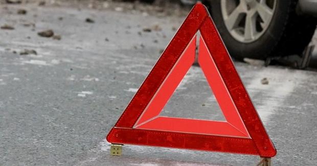 В Тюмени медики пытались спасти женщину, попавшую под колеса машины: пенсионерка скончалась