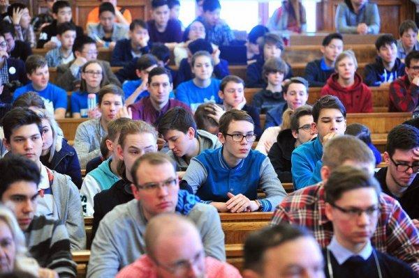 Участие и победа учеников в Олимпиадах говорит о характеристике возможностей московских школ, сообщил Исаак Калина