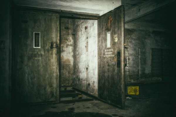 Тюрьма на 1,5 минуты — В России могут заменить абсолютно все ветхие лифты