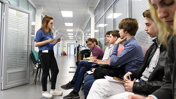 Процент поступления выпускников столичных школ в вузы растет благодаря проектам предпрофессионального образования