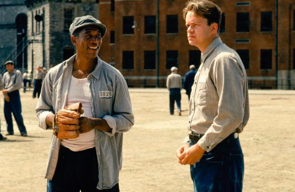 «Побег из Шоушенка» - Потрясающий фильм, который стоит посмотреть сегодня вечером
